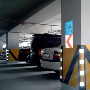 bordure de parking garde et miroir convexe safety arsenal. Black Bedroom Furniture Sets. Home Design Ideas